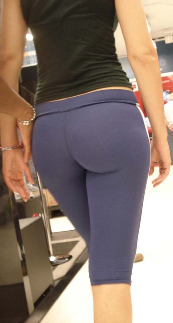 Sexy naked girls in yoga pants you