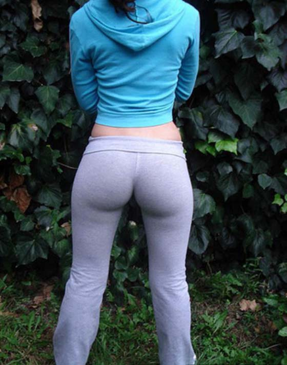 girl-fucked-in-sweat-pants