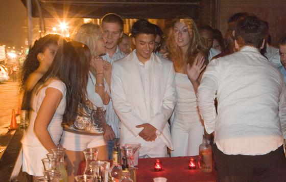 white-party-2007-10