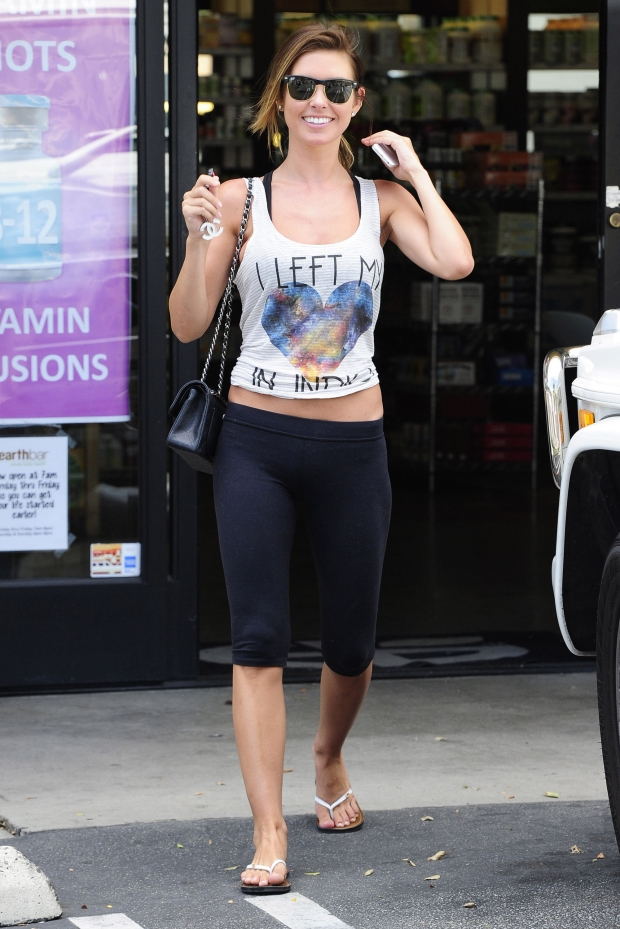 Audrina-patridge-yoga-pants-front