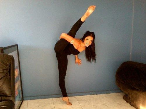 flexible-in-yoga-pants