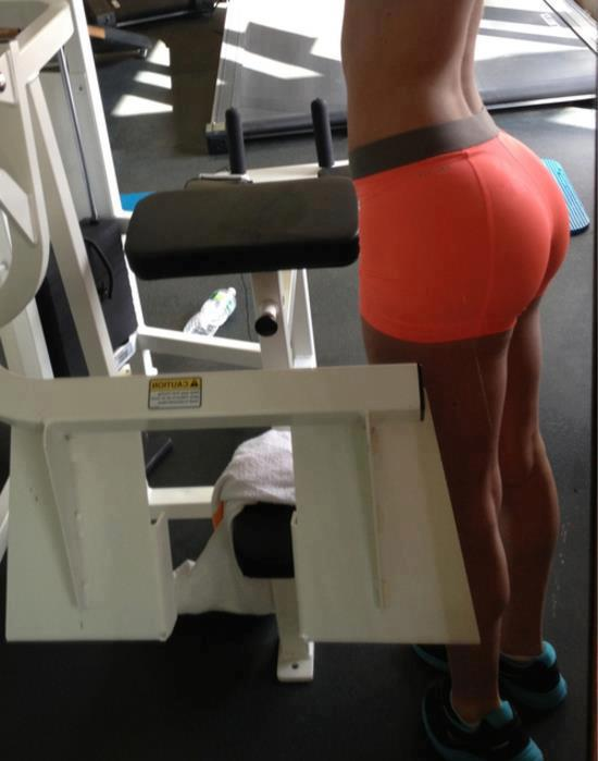 hot-girl-working-out-13