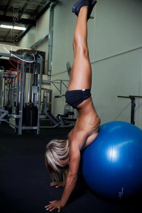 hot-girl-working-out-29