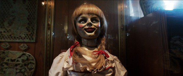 the-conjuring-annabelle-doll-in-case