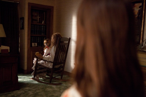 the-conjuring-annabelle-doll-rocking-chair