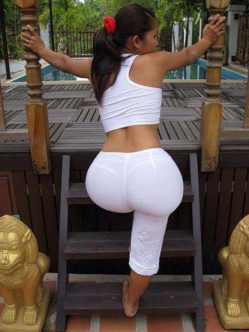 yoga-pants-big-booty-white