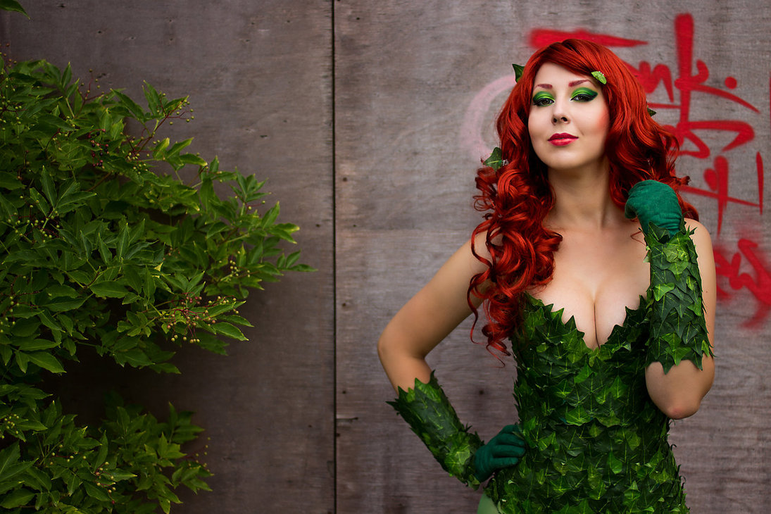 poison-ivy-costume-hot