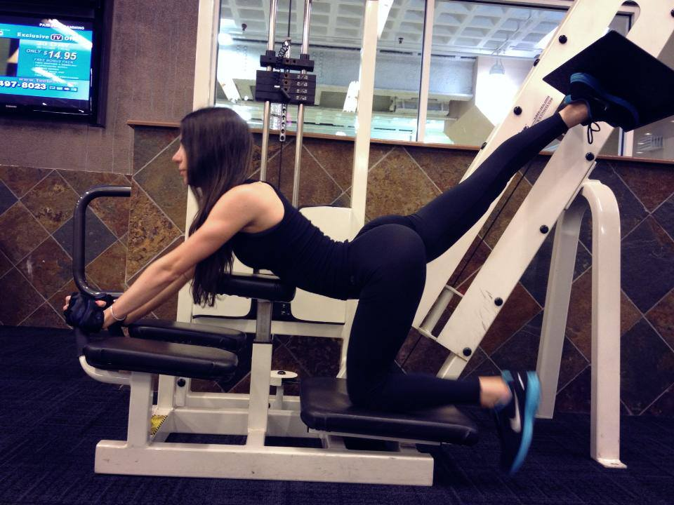 Jen selter is why we love yoga pants 40 pictures for Gimnasio yong