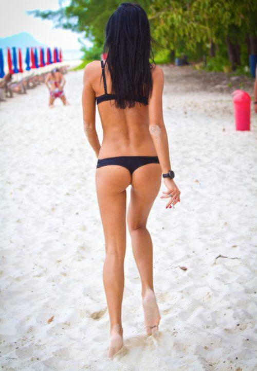 black-beach-thong