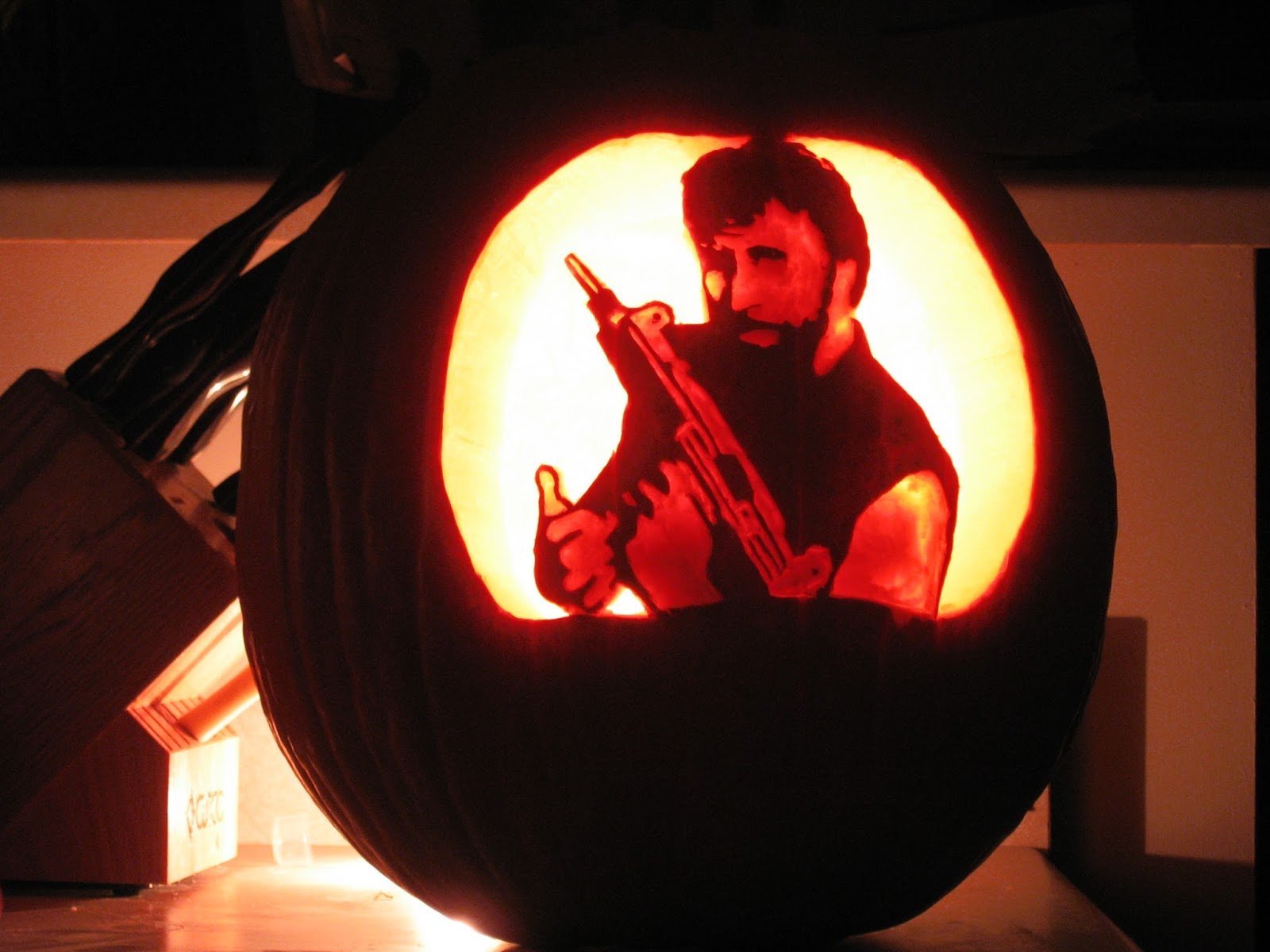 Impress Your Neighborhood with Cool Pumpkin Carving Ideas!