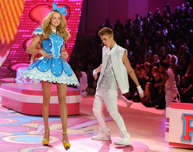 Victoria's-Secret-2012-Justin-Bieber4