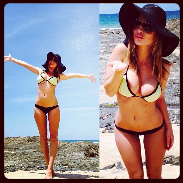 rosanna-bikini-beach
