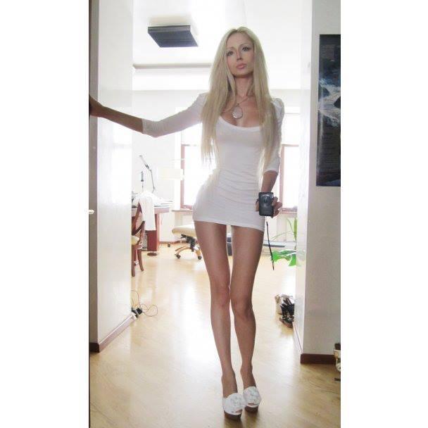 Valeria-living-doll14