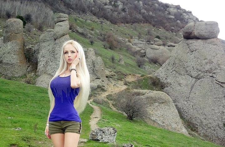 Valeria-living-doll23