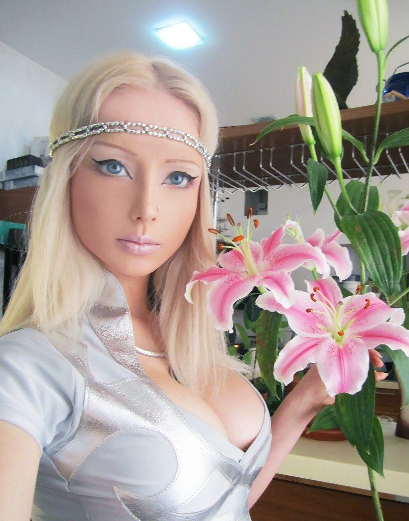 Valeria-living-doll32