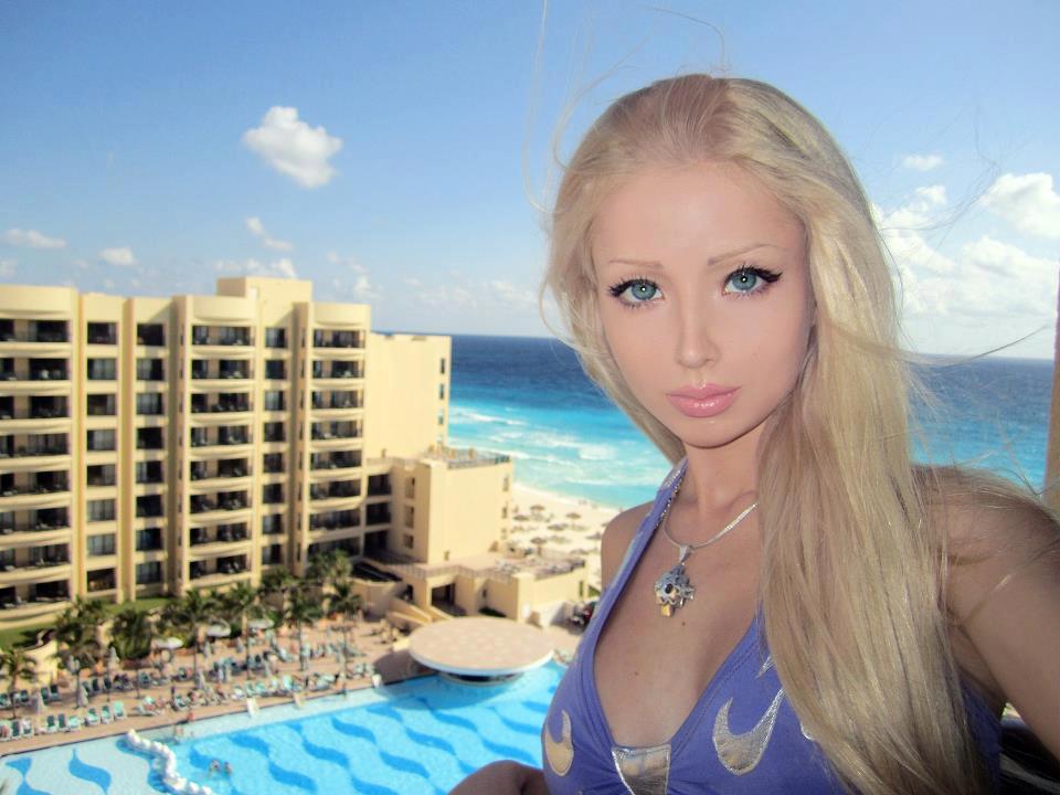 Valeria-living-doll45