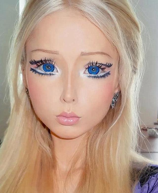Valeria-living-doll56
