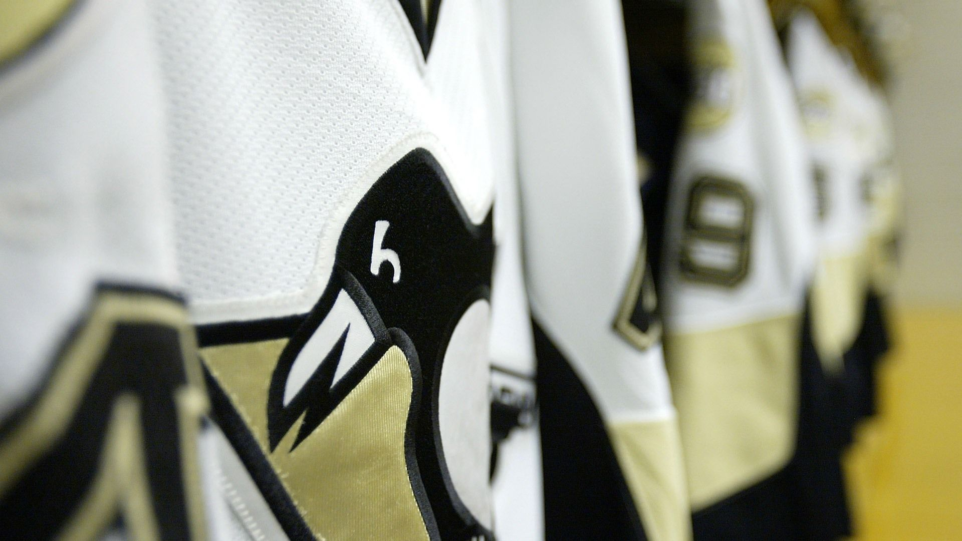 pittsburgh-penguins-jerseys