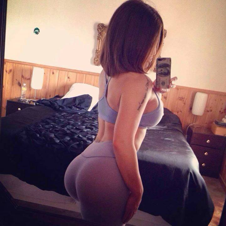 bedroom-selfie