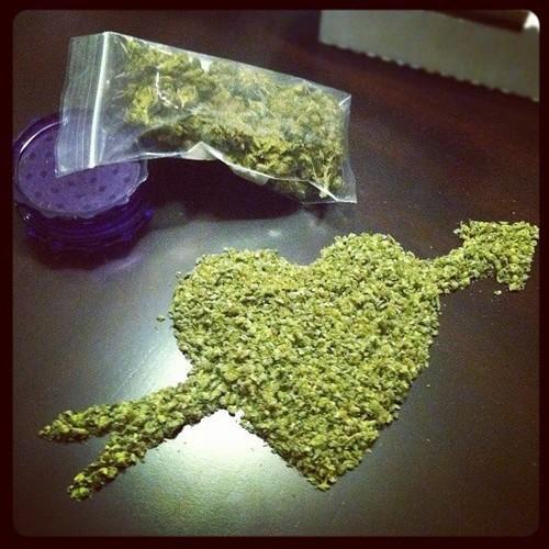 marijuana-vday-heart