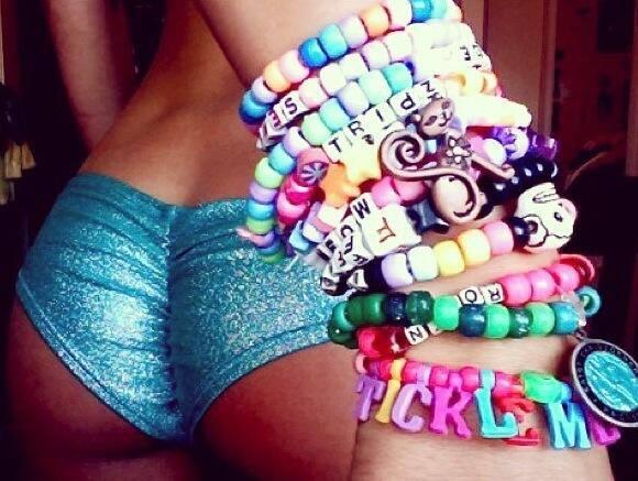 butt-bracelets