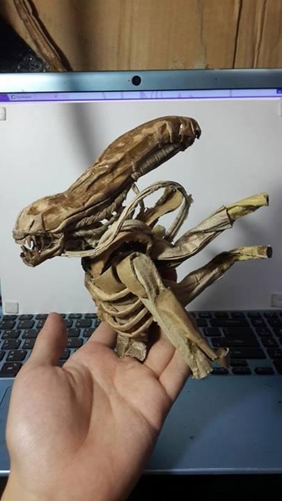 alien-cardboard