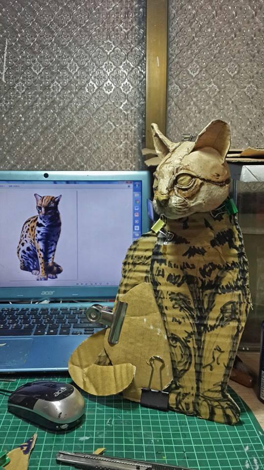 cat-cardboard-sculpture