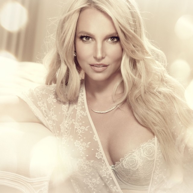 britney-spears-white