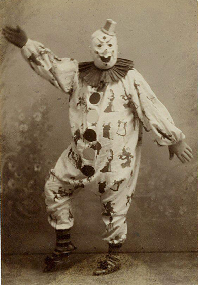 creepy-clown-probably-a-rapist