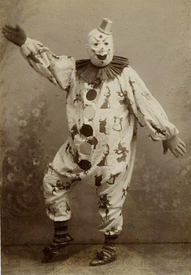 creepy-clown-probably-a-rapist